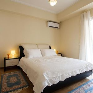 Amazing 2 Bdrm Apt In The Center Of Athens With Acropolis View photos Exterior