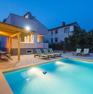 Charming Villa In Zadar With Private Swimming Pool photos Exterior