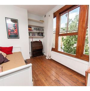 Beautiful Conversion Flat In Fashionable Hackney photos Exterior