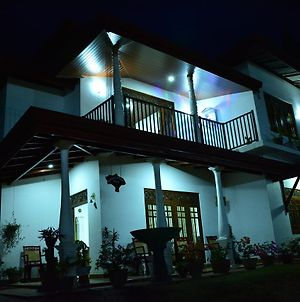 Kelani Home Stay photos Exterior