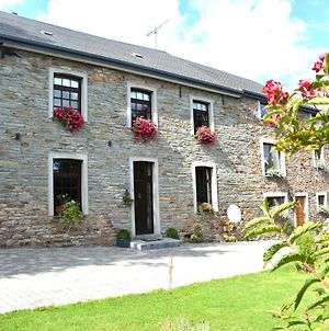 Spacious Holiday Home In Vaux-Sur-Sure With Garden photos Exterior