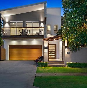 Resort Style Home In Brisbane Inner North. photos Exterior