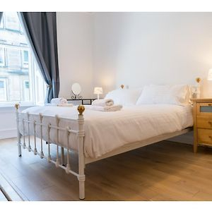 Ideal Based Tenement In Morningside For 4 photos Exterior
