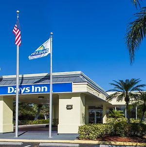 Days Inn By Wyndham Melbourne photos Exterior