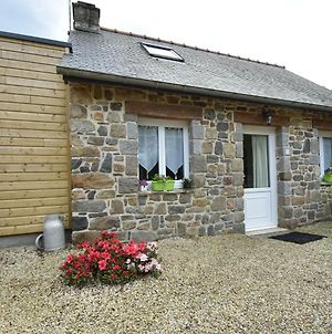 Quaint Holiday Home In Saint-Gilles-Les-Bois With Barbecue photos Exterior