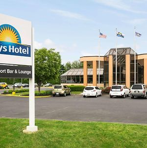 Days Hotel By Wyndham Allentown Airport / Lehigh Valley photos Exterior