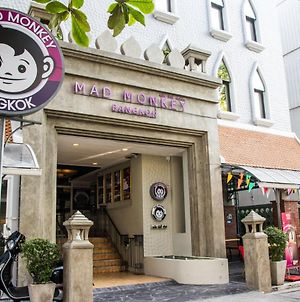 Mad Monkey Hostel Bangkok photos Exterior