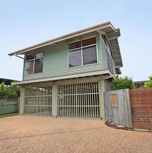 18 Northbeach Place, Mudjimba Beach - Pet Friendly, Linen Included, Wifi photos Exterior