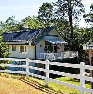 Anderson Creek Barn Cottage Minutes From Ashland photos Exterior