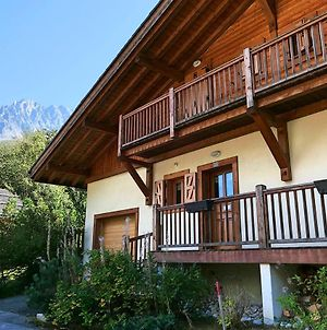 Chalet Gian Piere - Les Bossons - Sleeps 8 photos Exterior