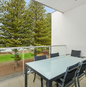 24 The Breeze Sea Views Right In The Heart Of Victor Harbor photos Exterior