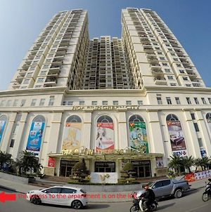 Comfy 2 Bedrooms Apartment With City View From Level 20 At Hoa Binh Green City photos Exterior