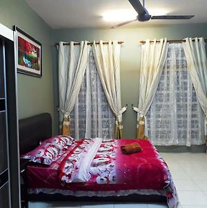 Homestay Nabila Suites 4 Bedroom photos Exterior