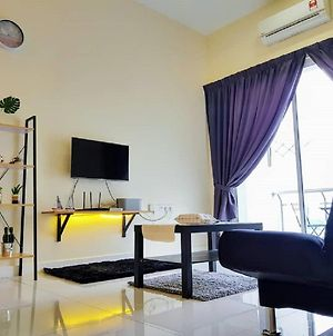 Puchong Skypod 10 Pax Ioi Mall Cozy Apartment photos Exterior