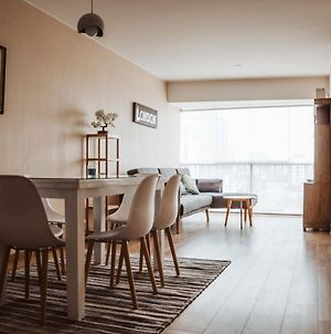 Spacious And Cozy Apartment With Perfect Location photos Exterior