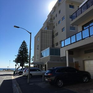 1A Worcester Road Seapoint photos Exterior