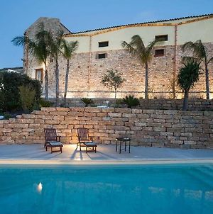 Luxurious Holiday Home In Buseto Palizzolo With Swimming Pool photos Exterior