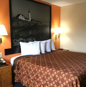 Super 8 By Wyndham Sanford Kennebunkport Area photos Room
