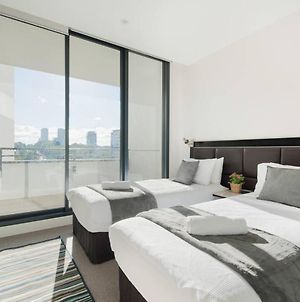 Modern Sleek Apartment In Heart Of Macquarie Park photos Exterior