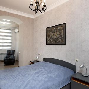 """Apartment In """"Old City' With Free Transfer photos Exterior"""