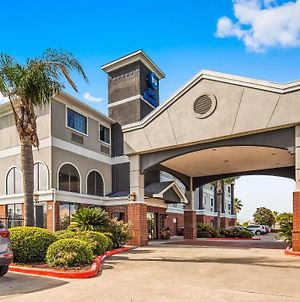 Best Western Mainland Inn & Suites photos Exterior