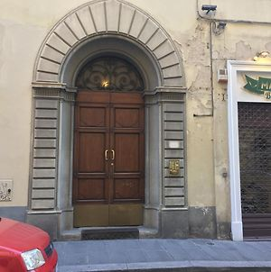 Piazza Goldoni Studio In The Heart Of Florence photos Exterior