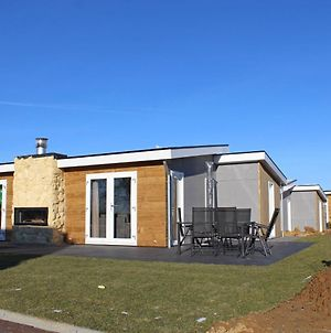 Holiday Home Green Resort Mooi Bemelen.2 photos Exterior