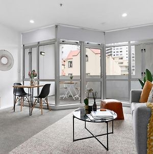 Renovated Apartment In Heart Of City By Urban Butler photos Exterior