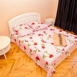 2 Rooms Apartment On Soborny Avenue 182. Luxury Class. Centre photos Exterior