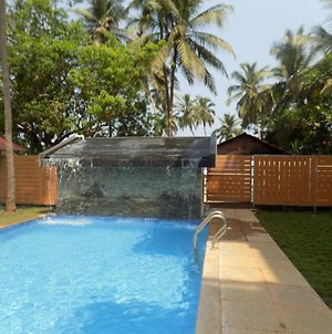 Almada' Perfectly Located With Pool photos Exterior
