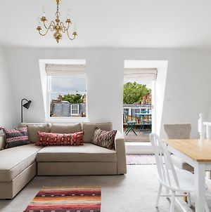 Charming 1 Bed Flat With Balcony In Pimlico photos Exterior