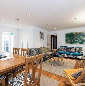 Lovely 2 Bedroom Flat In Chelsea, Sleeps 4 photos Exterior