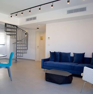 Authentic & Modern 3 Bedroom Jaffa Vibe By Holyguest photos Exterior