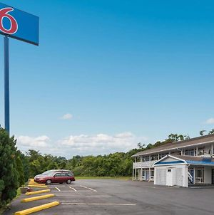 Motel 6 Parkerburg Wv photos Exterior