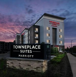 Towneplace Suites By Marriott Milwaukee Oak Creek photos Exterior