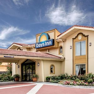 Days Inn By Wyndham Houston photos Exterior