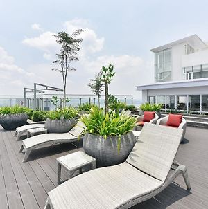 Suasana Private Suites By Subhome photos Exterior