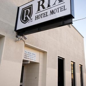 Rix Hotel Motel photos Exterior