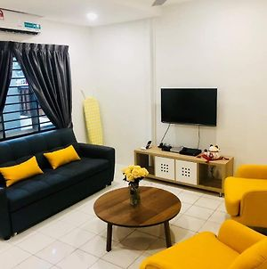 Yolodge Klang Homestay photos Exterior