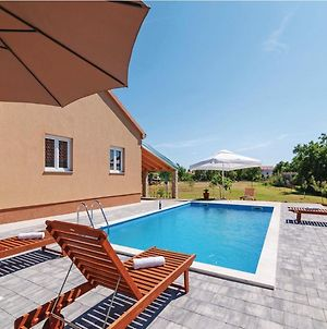 Charming Holiday Home In Murvica With Pool photos Exterior
