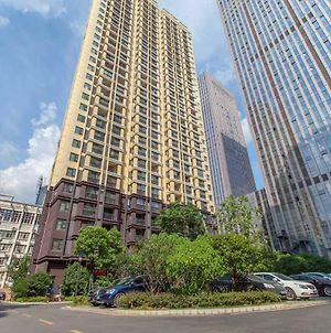 Wuhan Hongshan-Happy Valley- Locals Apartment 00164090 photos Exterior