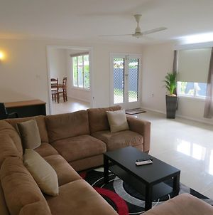 Edge Hill Clean & Green Cairns, 7 Minutes From The Airport, 7 Minutes To Cairns Cbd & Reef Fleet Terminal photos Exterior