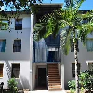 32 15 Rainbow Shores Unit Overlooking Bushland With Shared Swimming Pool Spa And Tennis Court photos Exterior