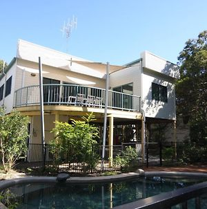 20 Orania Court - Two Storey Family Home With Swimming Pool, Patio & Large Deck. Pet Friendly photos Exterior