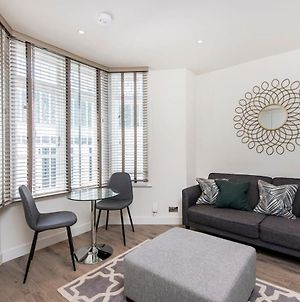 Stylish 1 Bed In Fashionable Chelsea photos Exterior