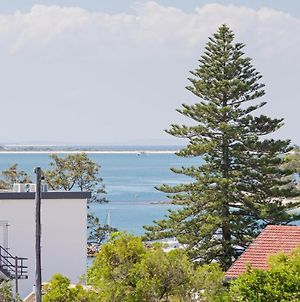 13 'Cote D'Azur' 61 Donald Street Lovely Unit With Air Con Pool Lift And Wifi photos Exterior