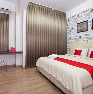 Reddoorz Plus @ Riverside Malang photos Exterior