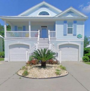 Out Of The Blue Short Drive To The Beach 5 Bedroom 4.5 Bathroom Sleeps 21 photos Exterior