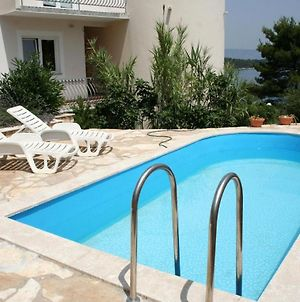 Family Friendly Apartments With A Swimming Pool Jelsa, Hvar - 4608 photos Exterior