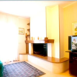 Apartment With 2 Bedrooms In Melendugno With Furnished Balcony And Wifi 6 Km From The Beach photos Exterior